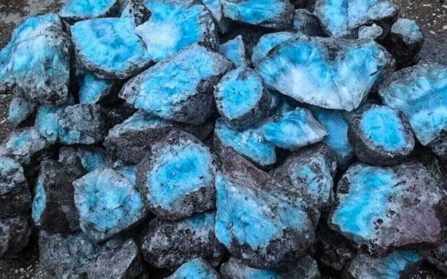 The Atlantis Blue Project Turns to Stellar to Help Restore the Damaged Larimar Trade