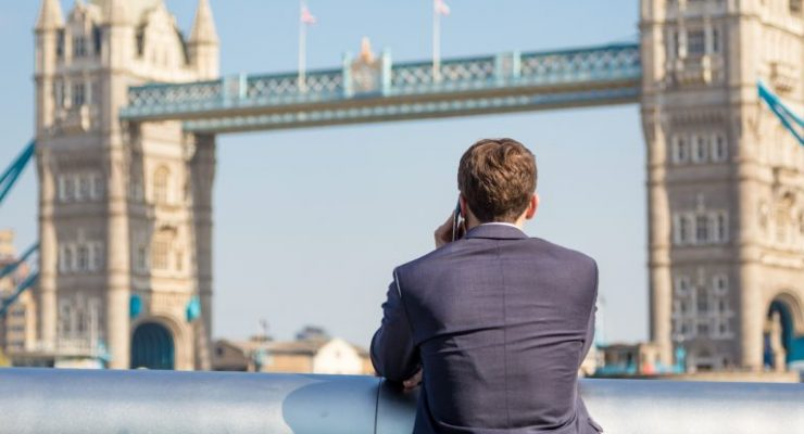 Financial Professionals Bet On Rising Cryptos, UK Report