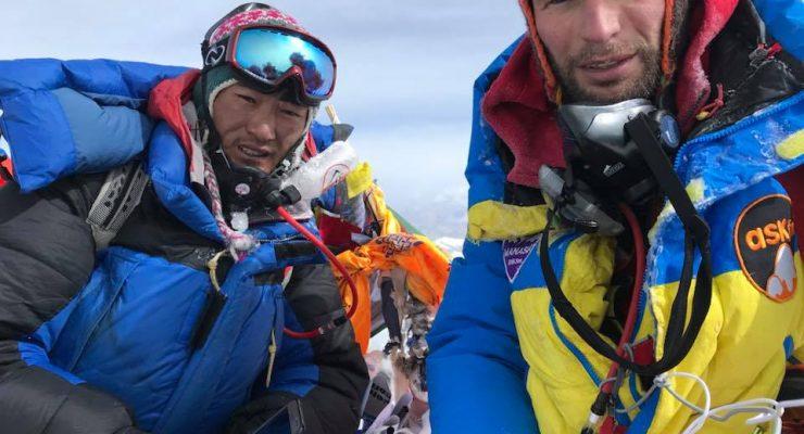ASKfm Reaches New Peak, Scales Everest
