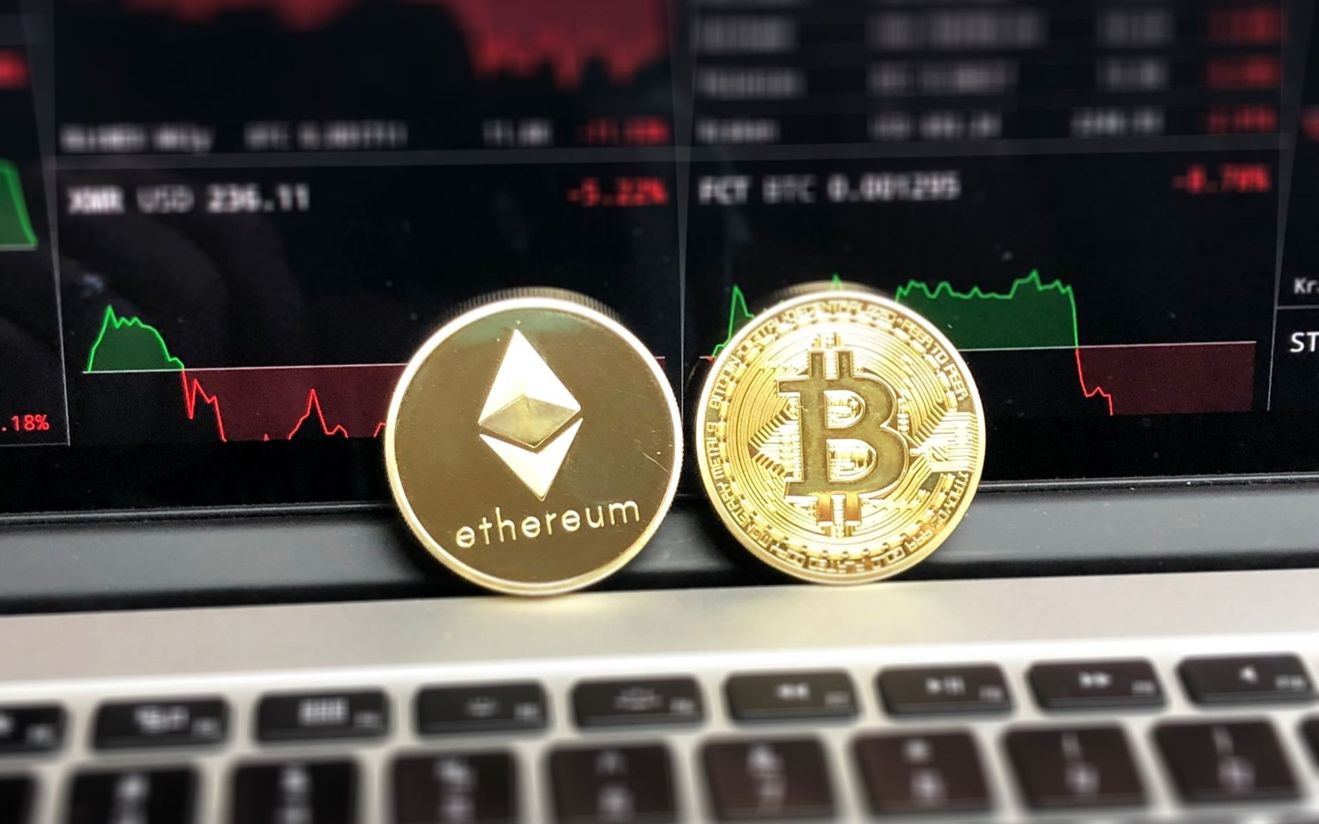 Financial advisors - ethereum or bitcoin?
