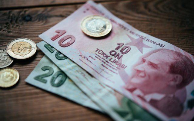Investors Turn To Bitcoin In Turkey As Lira Value Slips